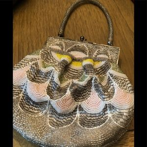 INTRICATE VINTAGE BEADED EVENING BAG
